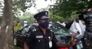 Just in: Police threatens to shoot IPOB members at Nnamdi Kanu's trial